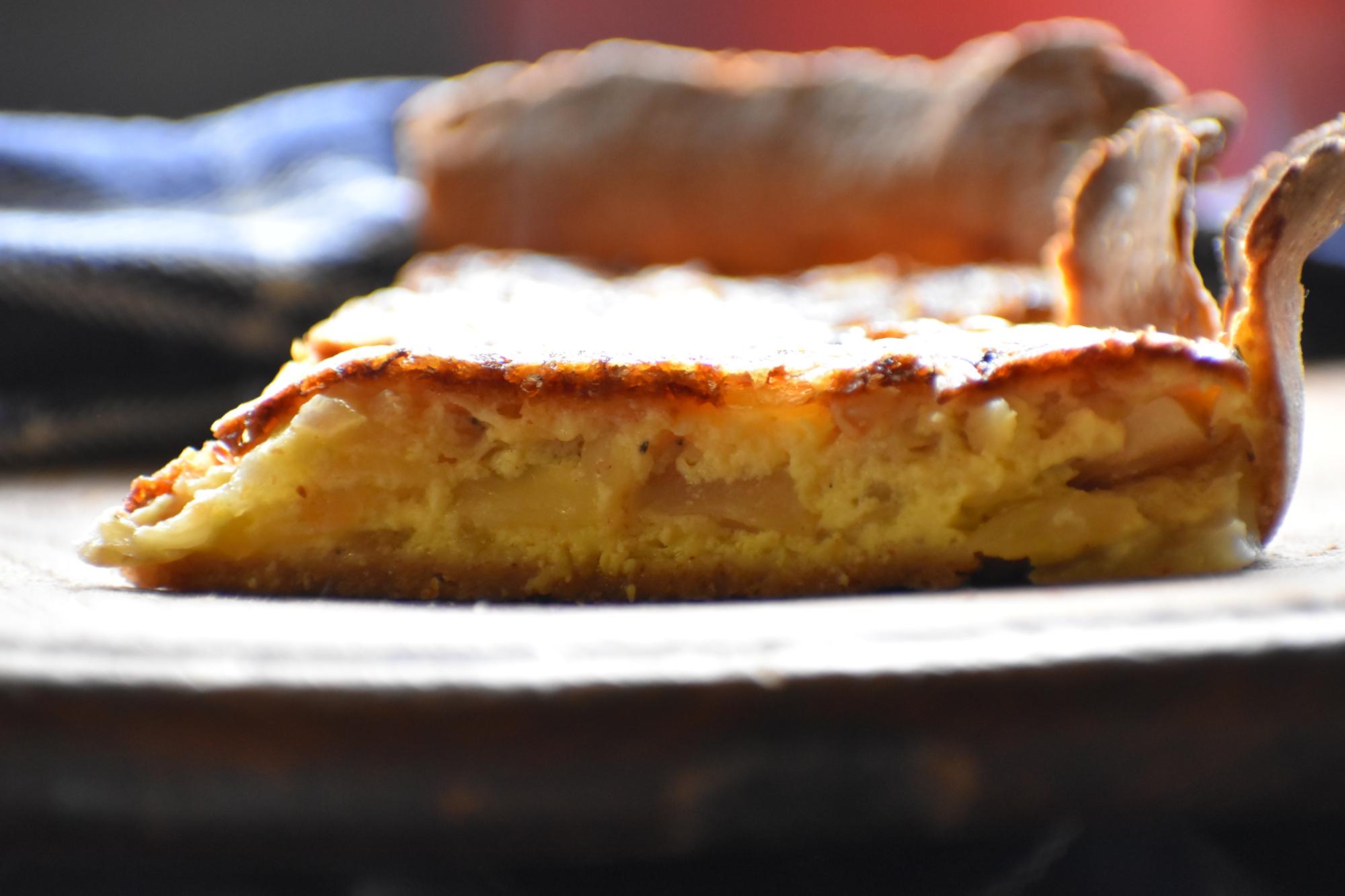 Hartige taart met venkel en oude kaas