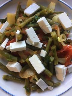 Zonnige sperziebonen met tomaten en feta