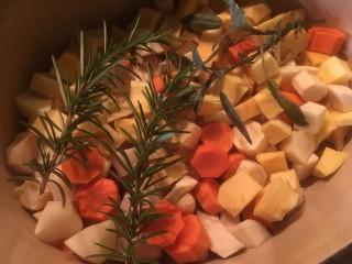 Stoofschotel met wortelgroenten